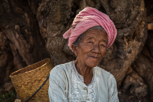 Iceland En Route - Myanmar Photo Workshop - Old woman taking a break