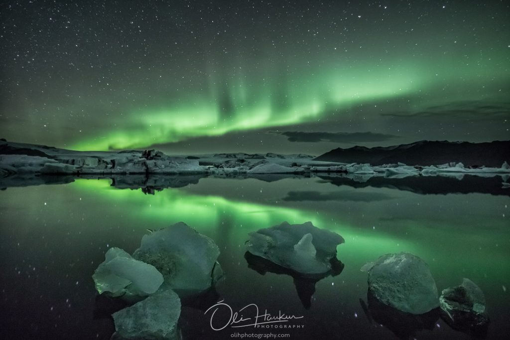 Northern lights by Glacier Lagoon