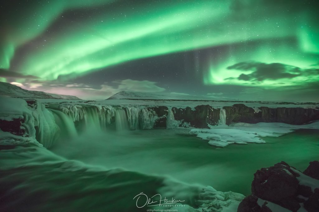Northern lights - Godafoss - Waterfall of the Gods